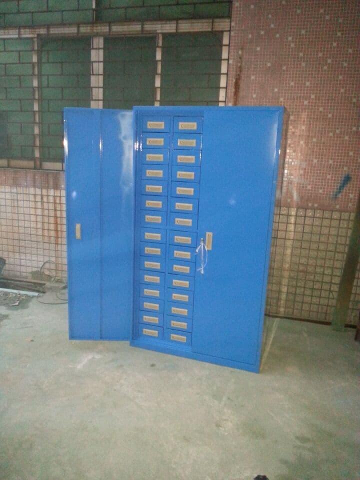 钢制带门带锁零件柜生产厂家
